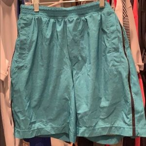 Men's Lululemon lined shorts